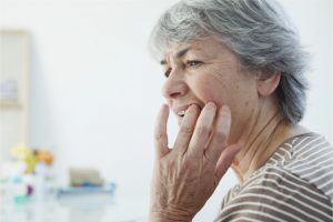 dental implant pain after surgery